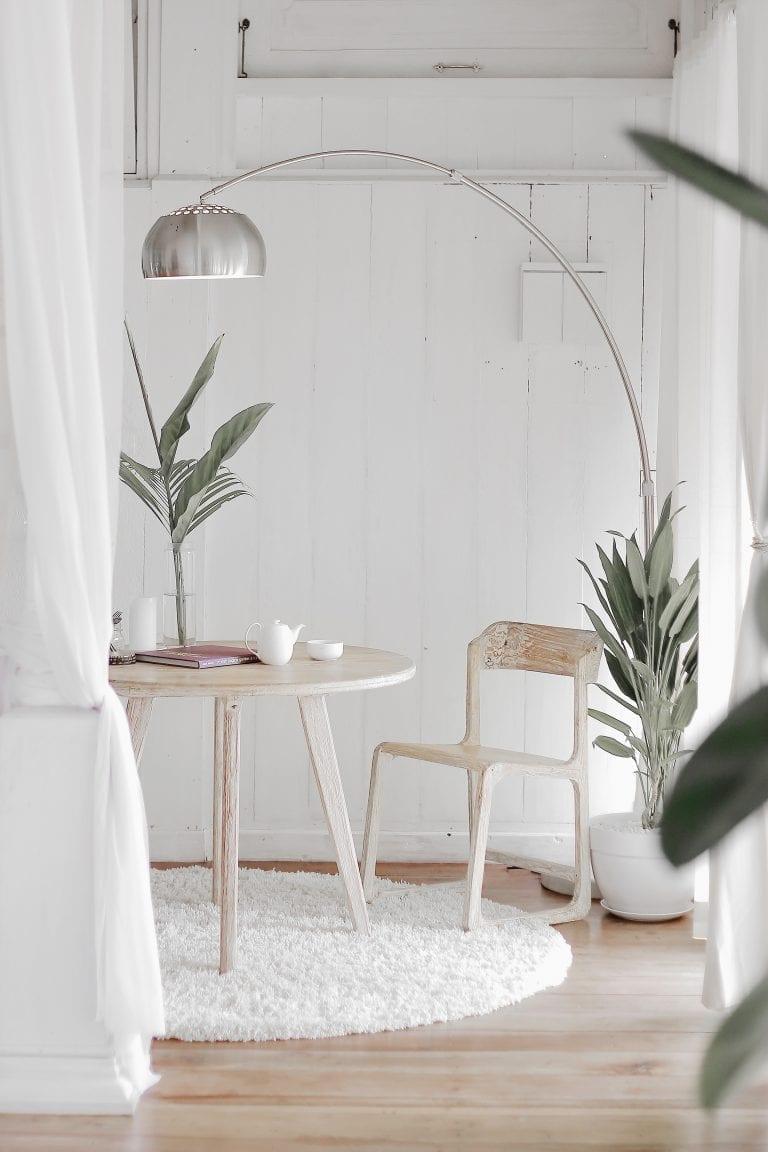 Decorating rental pendant lamp